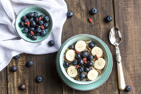 Blueberry muesli with wolfberries and banana slices - SARF002473
