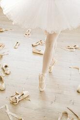Ballerina on pointe - MRAF000006