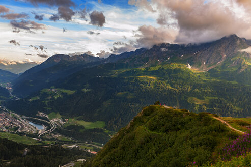 Switzerland, Gotthardpass, Swiss Alps at sunset in Summer - LOMF000187