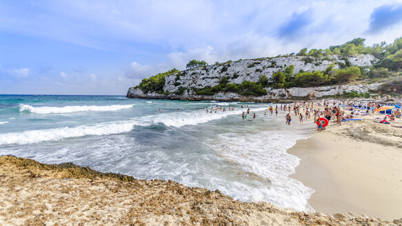 Spain, Mallorca, Cala Mendia, beach and tourists - MHF000377