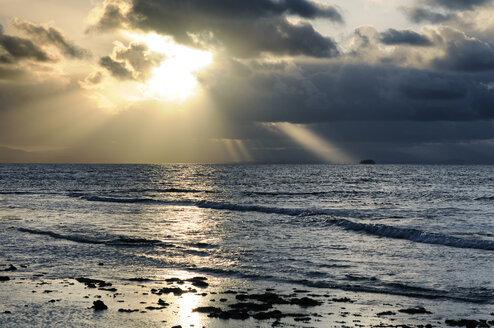 Panama, San Blas Islands, Isla Morom, stormy atmosphere - STEF000155