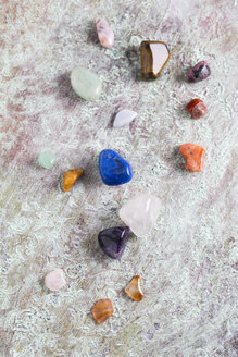 Different semiprecious stones - MYF001324