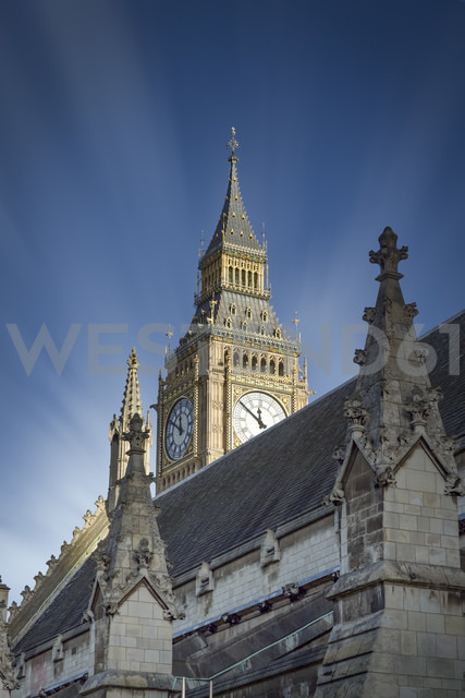 UK, London, view to Big Ben behind a roof of Palace of Westminster - NKF000431
