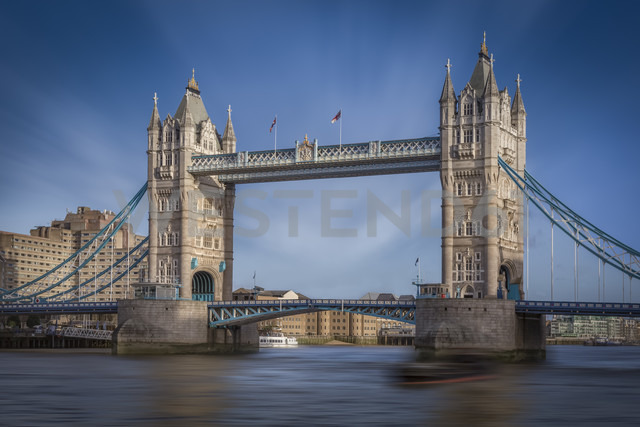UK, London, view to Tower Bridge and Thames River - NKF000437