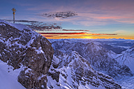 Germany, Bavaria, sunrise on Zugspitze, view on summit and Jubilaeumsgrat - STSF001000