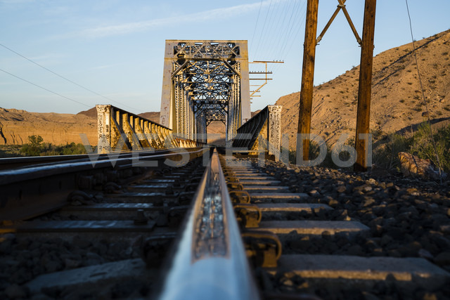 USA, Nevada, Rails in the desert - NGF000246
