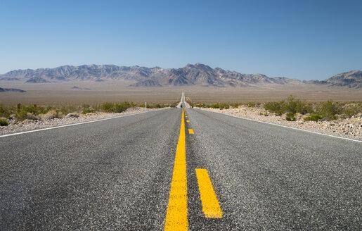 USA, Nevada, direction Beatty, road 95 - STCF000173