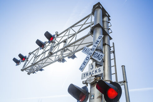 USA, Washington, Seattle, Railroad crossing - NG000248