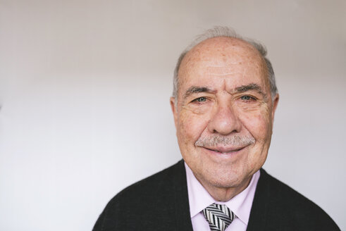 Portrait of smiling senior man - GEMF000690
