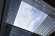 Germany, Stuttgart, courtyard of an office building seen from below - FC000851