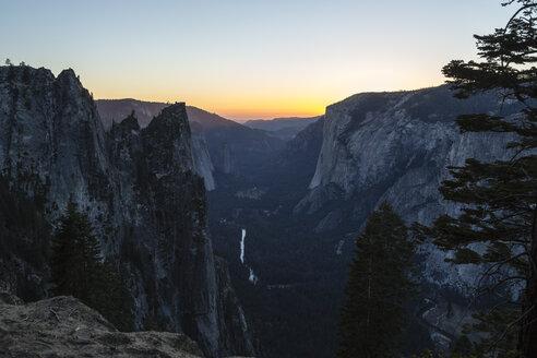 USA, California, landscape in Yosemite National Park - NGF000284