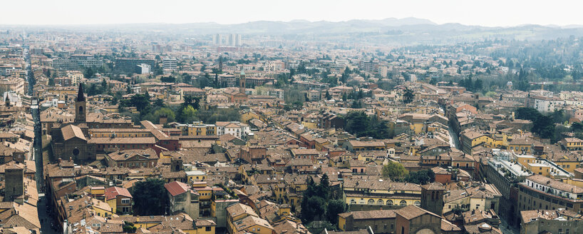 Italy, Bologna, city view - KAF000132