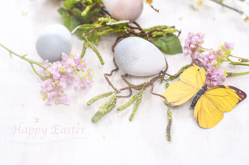 Easter decoration with eggs and blossoms - ODF001373