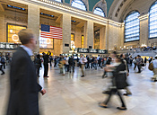 USA, New York, Manhattan, people at Grand Central Station - HSI000411
