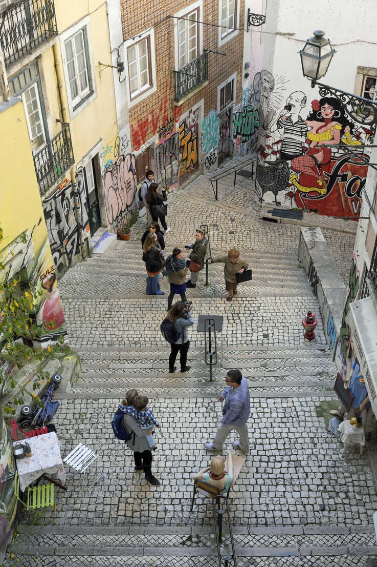 Portugal, Lisbon, stairs in the old town seen from above - HL000943 - Hartmut Loebermann/Westend61