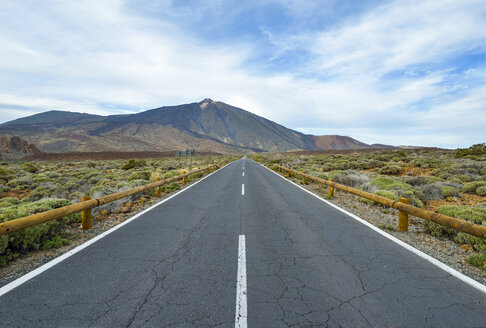 Spain, Canary Islands, Tenerife, road in Teide National Park - RJF000571