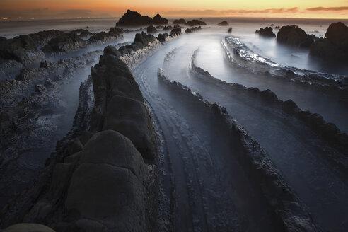 Spain, Basque Country, Pais Vasco, Barrika beach at sunset - DSGF000915