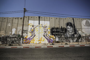 Palestine, West Bank, Bethlehem, graffitis on wall - REA000068