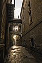 Spain, Barcelona, view to Bisbe Street in the Gothic Quarter - KIJF000178