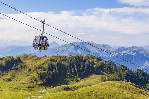 Austria, Tyrol, Kitzbuehel, Alps, Kitzbueheler Horn, gondola cableway - WD003546