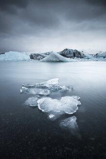 Iceland, Vatnajoekull National Park, Jokulsarlon, glacier and iceberg - EPF000001