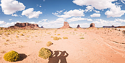 USA, Utah, Shadows of tourists at Monument Valley - EPF000008