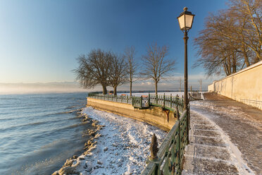 Germany, Friedrichshafen, Castle jetty at Lake Costance in winter - SH001891