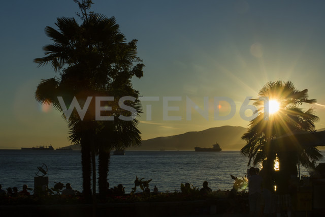 Canada, Vancouver, English Bay at sunset - NGF000309 - Nadine Ginzel/Westend61