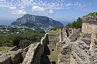 Italy, Campania, Gulf of Naples, Capri, Ruine of roman Villa Jovis - LBF001396