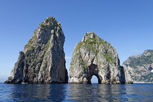 Italy, Campania, Gulf of Naples, Capri, Faraglioni - LBF001399