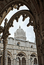 Portugal, Lisbon, Jeronimos Monastery, View from Cloister to dome of church - HL000954