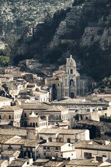 Italy, Sicily, Province of Ragusa, Ragusa, Val di Noto, cityscape - CSTF000962