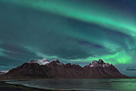 Iceland, Hoefn, Northern lights over Vesturhorn Mountains - EPF000020