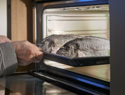 Gilthead seabreams, in the oven - LAF001621