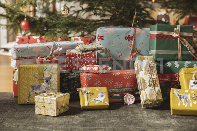 Christmas presents under tree - MFF002806