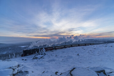 Germany, Saxony-Anhalt, Harz National Park, Brocken, Harz Narrow Gauge Railway in winter - PVCF000797