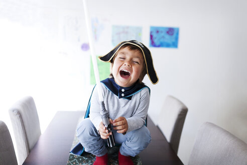 Portrait of laughing little boy dressed up as a pirate - VABF000341