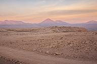 Chile, San Pedro de Atacama, Atacama desert at twilight - MAUF000348