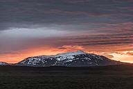 Iceland, Langjoekull glacier at midnight sun - PAF001640
