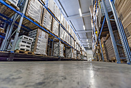 High rack warehouse with packed products ready for shipment - DIGF000096
