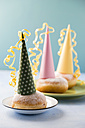 Berliner with party hats - MYF001400