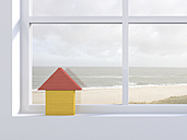 3D Rendering, wooden house on windowsill, beach in the background - AHUF000134