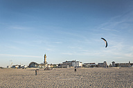 Germany, Warnemuende, stunt kite on the beach - ASC000538