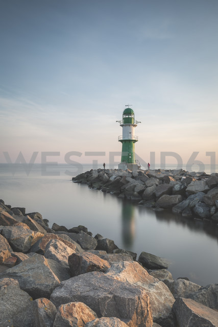 Germany, Warnemuende, Lighthouse in the morning - ASCF000541