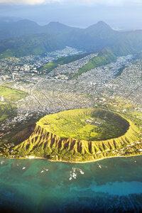 USA, Hawaii, Honolulu, Waikiki, Volcano Diamond Head - BRF001281