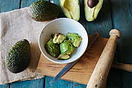 Bowl with chopped avocado - KIJF000268