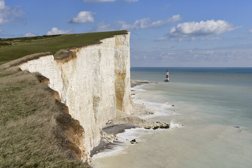 England, Sussex, Eastbourne, Seven Sisters Country Park, Beachy Head, Lighthouse and Seven Sisters Chalk Cliffs - RUEF001684