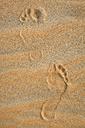 UAE, Rub' al Khali, foot prints in the desert sand - MAUF000396