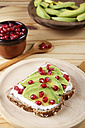 Toast with avocado, cream cheese and pomegranate seed - RTBF000075