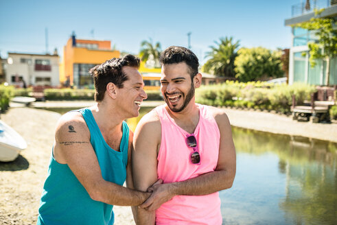 Los Angeles, Venice, laughing gay couple - LEF000064